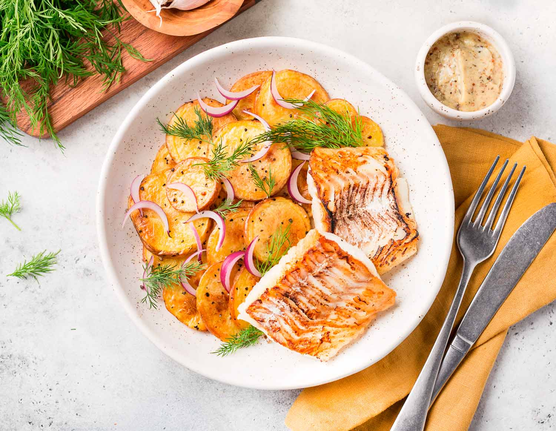Рыба с мини картофелем