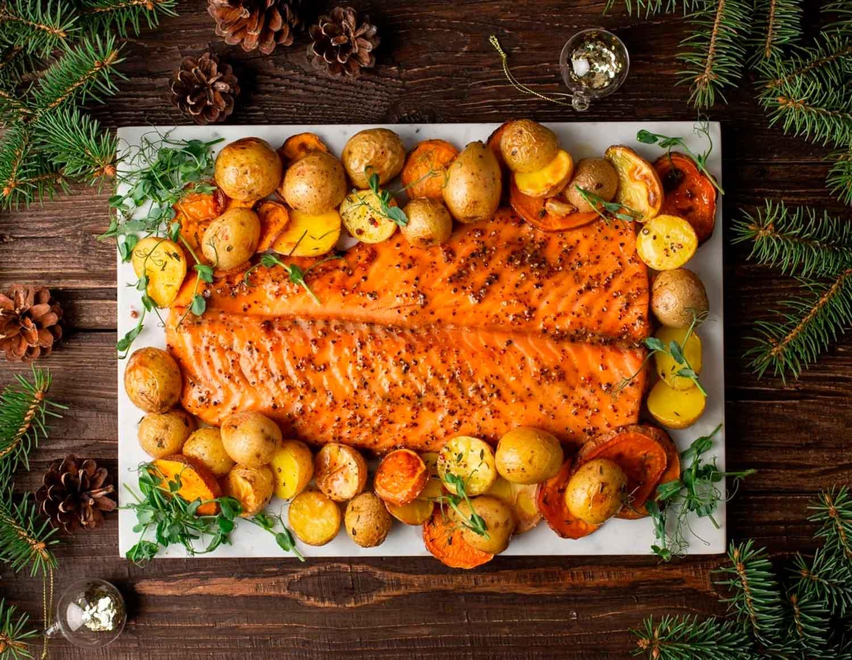Глазированный лосось с бататом и мини-картофелем, 1.3 кг на 4-8 порций