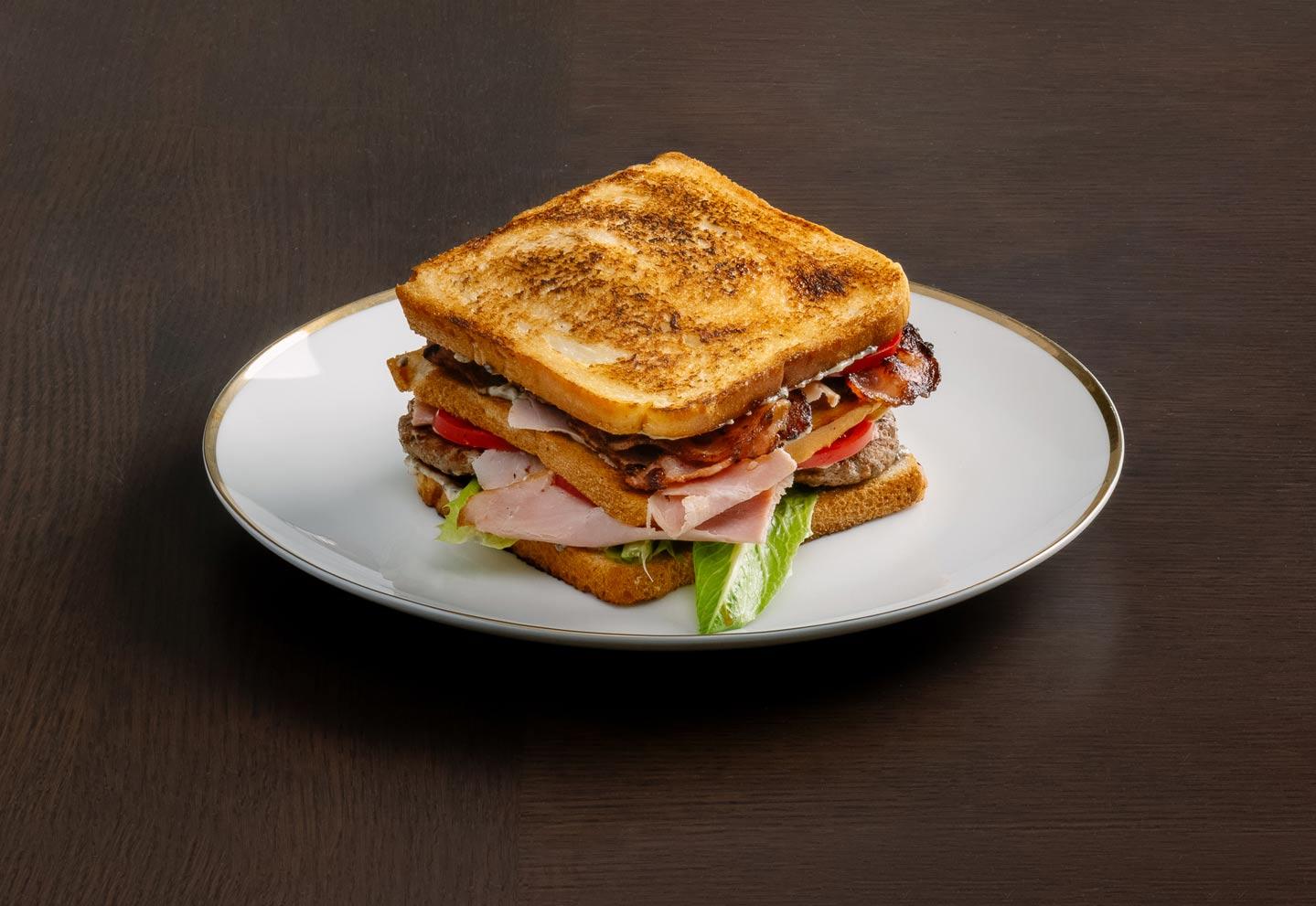 Клаб сэндвич с утиным кебабом